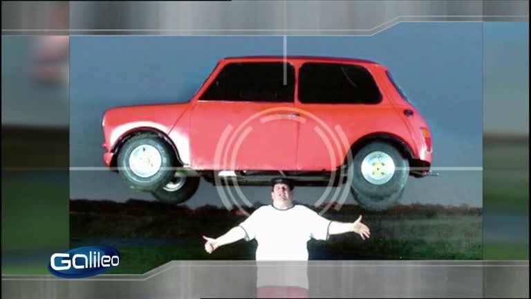 Bildgeschichte: Auto auf dem Kopf