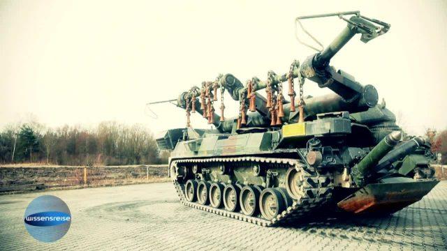 Strange Cars Militär