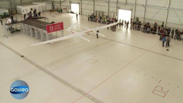 Weltrekordversuch Papierflieger