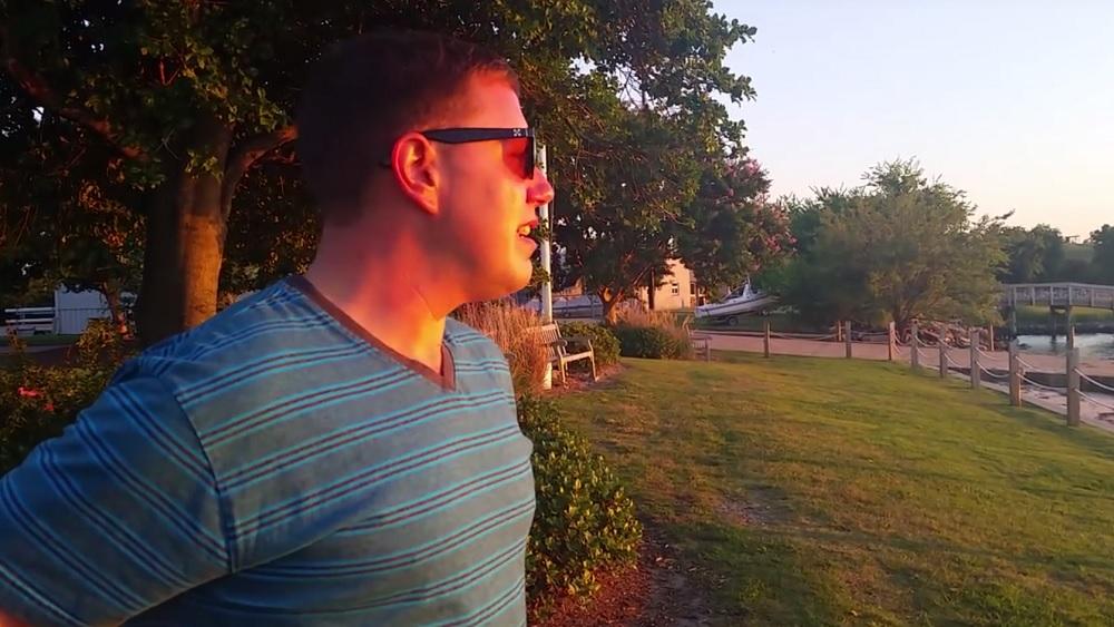 Die Sommersprossen die Anzüge des Bildes