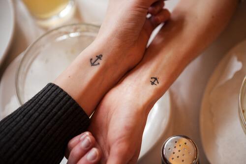 Tinytat Es Kommt Nicht Auf Die Größe An 15 Inspirierende Mini Tattoos