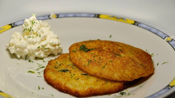 Watch Cottage-Cheese Pancakes video