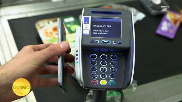 So kann man mit dem Smartphone bezahlen