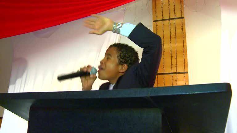 Kinderprediger, die wie Popstars gefeiert werden