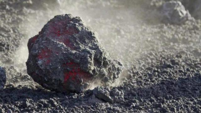 4 merkwürdige Dinge, die auf dem Mond zurückgelassen wurden