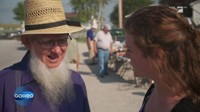 Maike inside: Amish