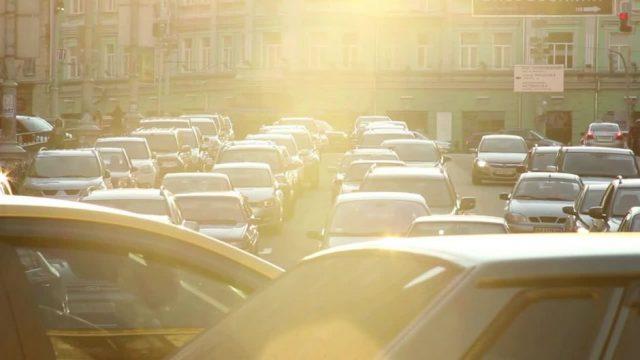 Neue Regel für Autofahrer: Das solltest du bei einer Rettungsgasse beachten