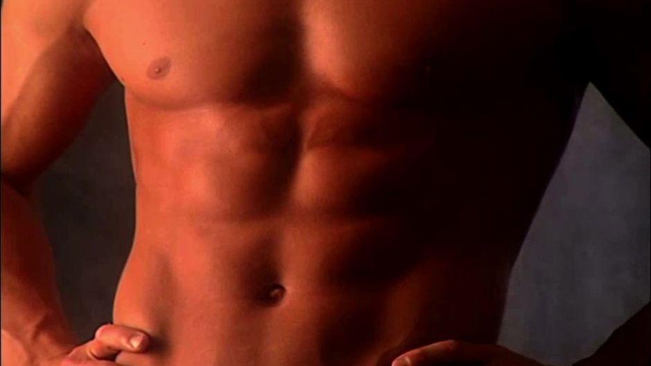 Darum bringt es nichts, deine Bauchmuskeln zu trainieren, wenn du ...