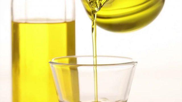 Viele nutzen es täglich: Stiftung Warentest warnt vor mangelhaften Olivenölen