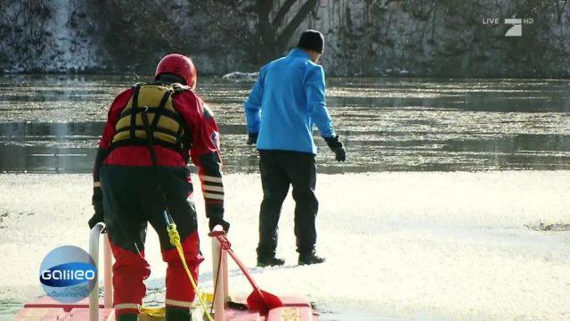 Zugefrorene Seen: Wie verhält man sich richtig, wenn man einbricht?