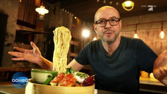 Verrückter Foodtrend: Flying Noodles