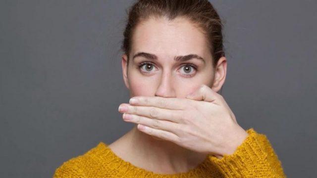 Zahnärzte erklären: Wenn du diese 6 Dinge machst, hast du keinen Mundgeruch mehr