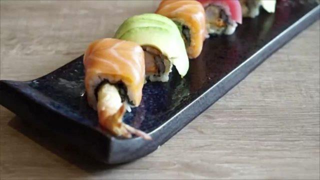 Ärzte warnen: Dieser unheimliche Parasit kann in deinem Sushi lauern