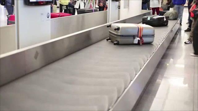Das solltest du auf Reisen niemals in oder an deinem Koffer haben - und fast jeder macht es