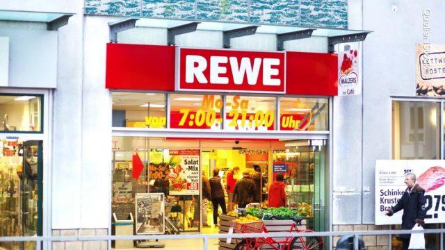 """""""Achtung, Lebensgefahr"""": Deshalb warnt ein Rewe-Filialleiter jetzt vor den roten Einkaufskörben"""