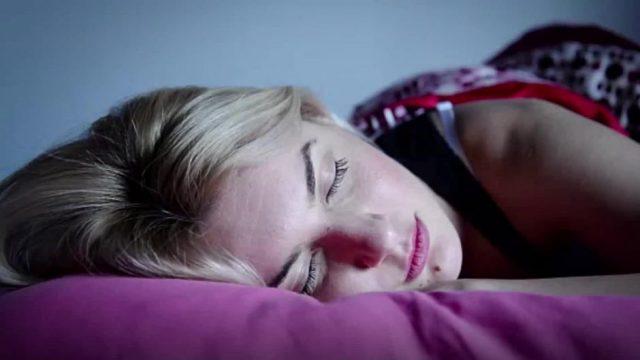 Darum solltest du stets ein Auge geschlossen halten, wenn du nachts auf Klo musst