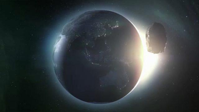 Am Donnerstag rast ein Asteroid an der Erde vorbei: So können wir uns vor einem Einschlag schützen