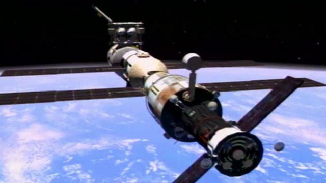 Haben Kosmonauten außerirdisches Leben auf der ISS entdeckt?