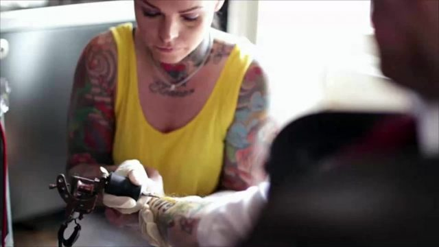 Birthstone-Tattoos: Neuer Mini-Tattoo-Trend sorgt für Begeisterung