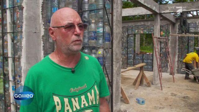 Ein Dorf gebaut aus Plastikflaschen