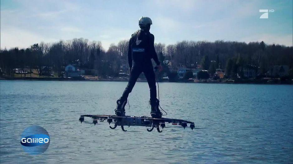 Fliegen wie Marty McFly: Das Drohnen-Hoverboard