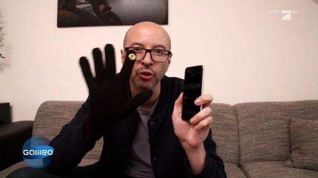 So macht ihr euch schnell und einfach einen Smartphone-Handschuh
