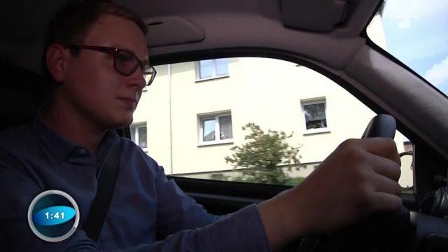 Teenies am Steuer: Autofahren mit 15?