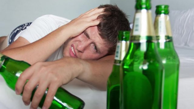 Die Menschheit entwickelt gerade ein Gen, das Alkohol schon bald aussterben lassen könnte