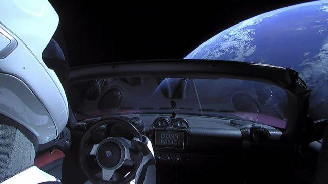Tesla im Weltall: Forscher befürchten eine Kollision mit der Erde