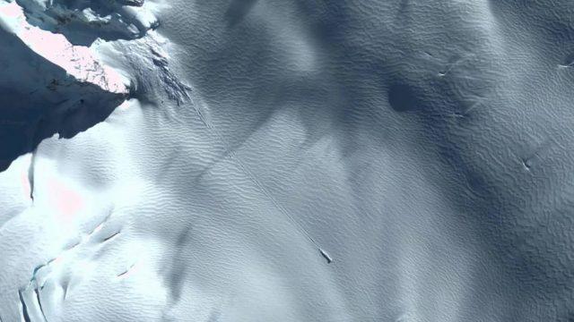 Ufo-Landung im Südatlantik? Erneut sorgen Google-Earth Aufnahmen für Wirbel