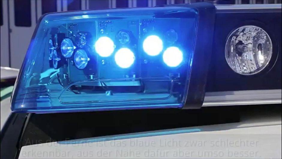 Warum ist das Blaulicht eigentlich blau und nicht rot?