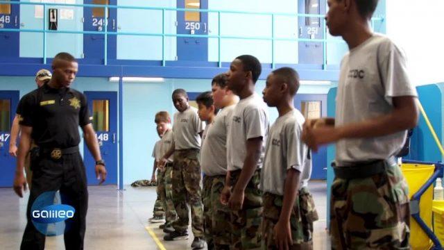 Harte Erziehung: Gefängnis-Camp für Kinder