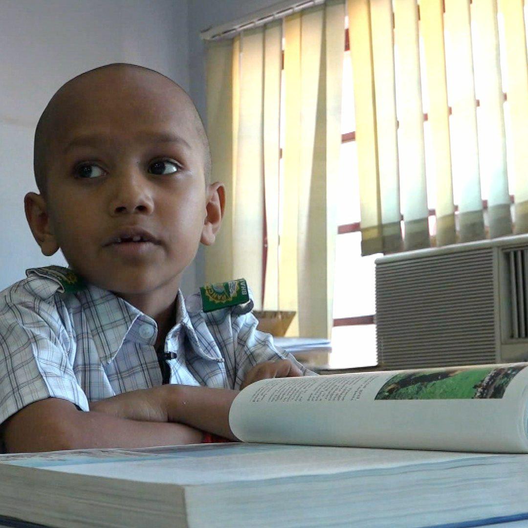 Der Google-Boy aus Indien - dieser kleine Junge weiß mehr als du!