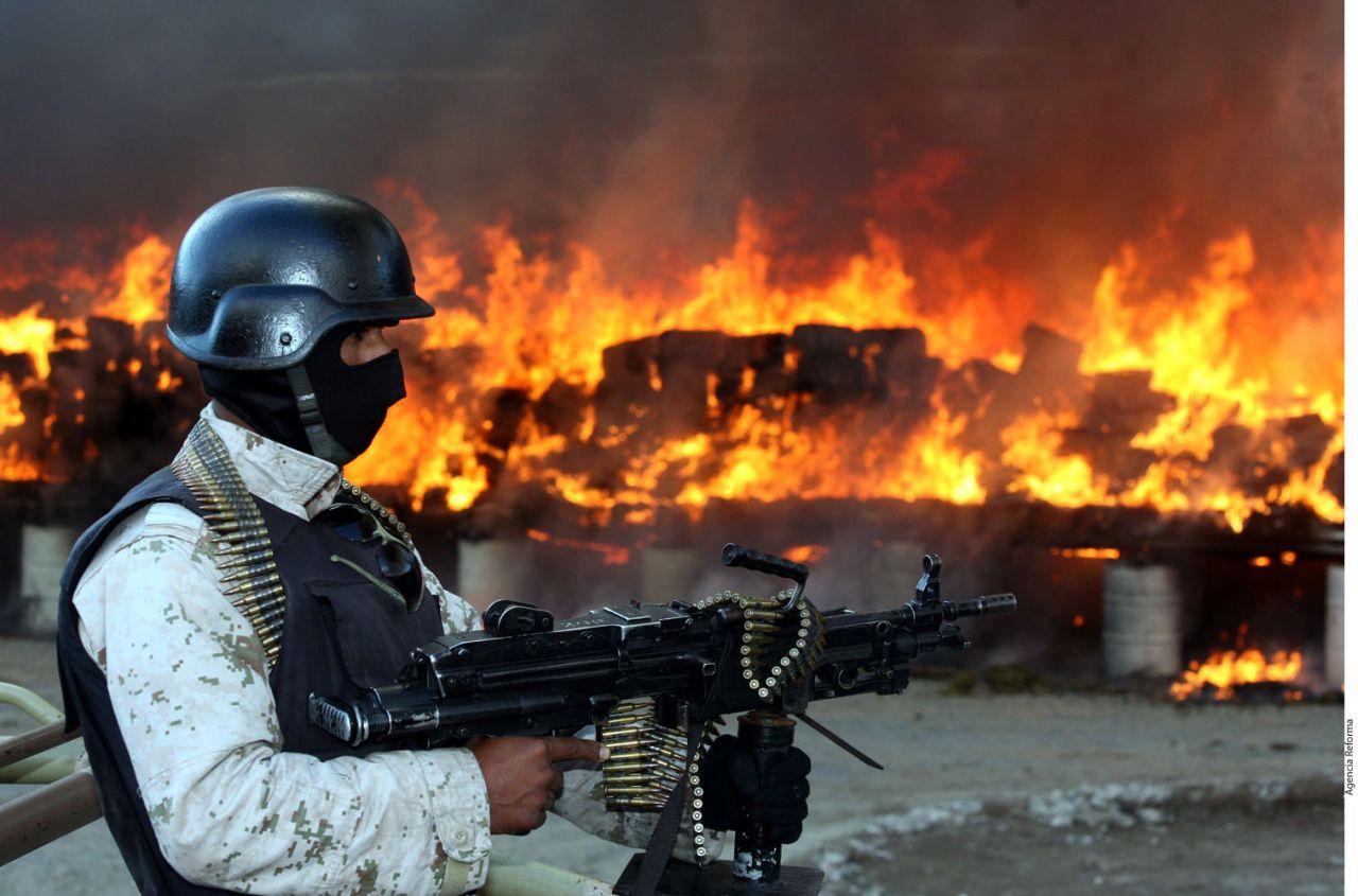 Mexiko ist eine Gang-Hochburg, die sogenannten Kartelle machen ihr Geld vor allem mit dem weltweiten Drogenhandel. Die bekanntesten sind das Golf-Kartell, das Juarez-Kartell, das Sinaloa-Kartell und Los Zetas.