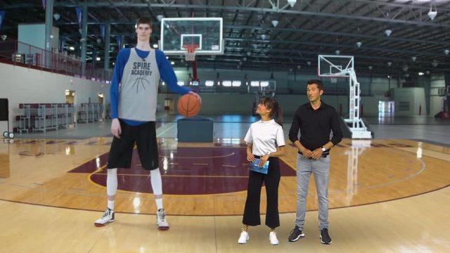 Montag: Größter Teenager der Welt
