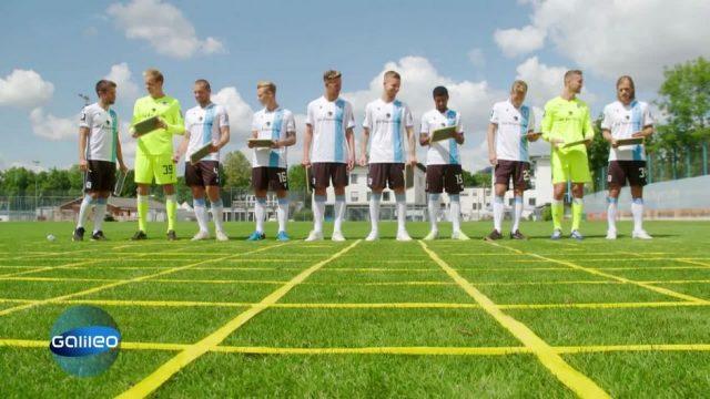 Quipp-Quiz: Zuschauer gegen Fußballmannschaft