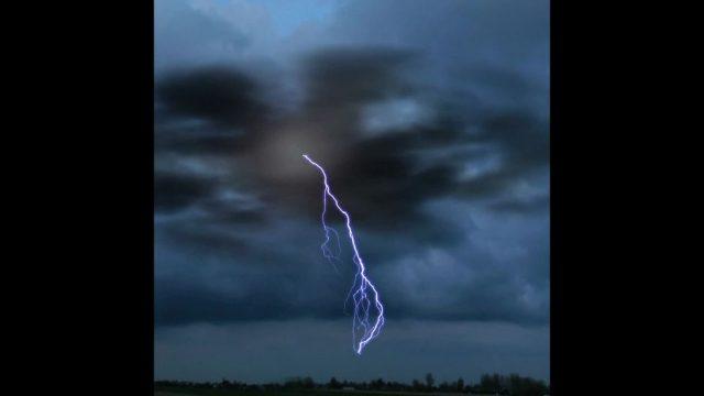 Wie entstehen eigentlich Blitze? - 10s