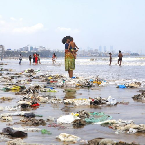 Strand und Meer Plastik