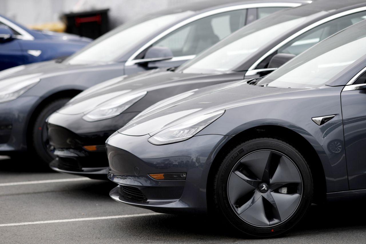 Elon Musk Taxiflotte