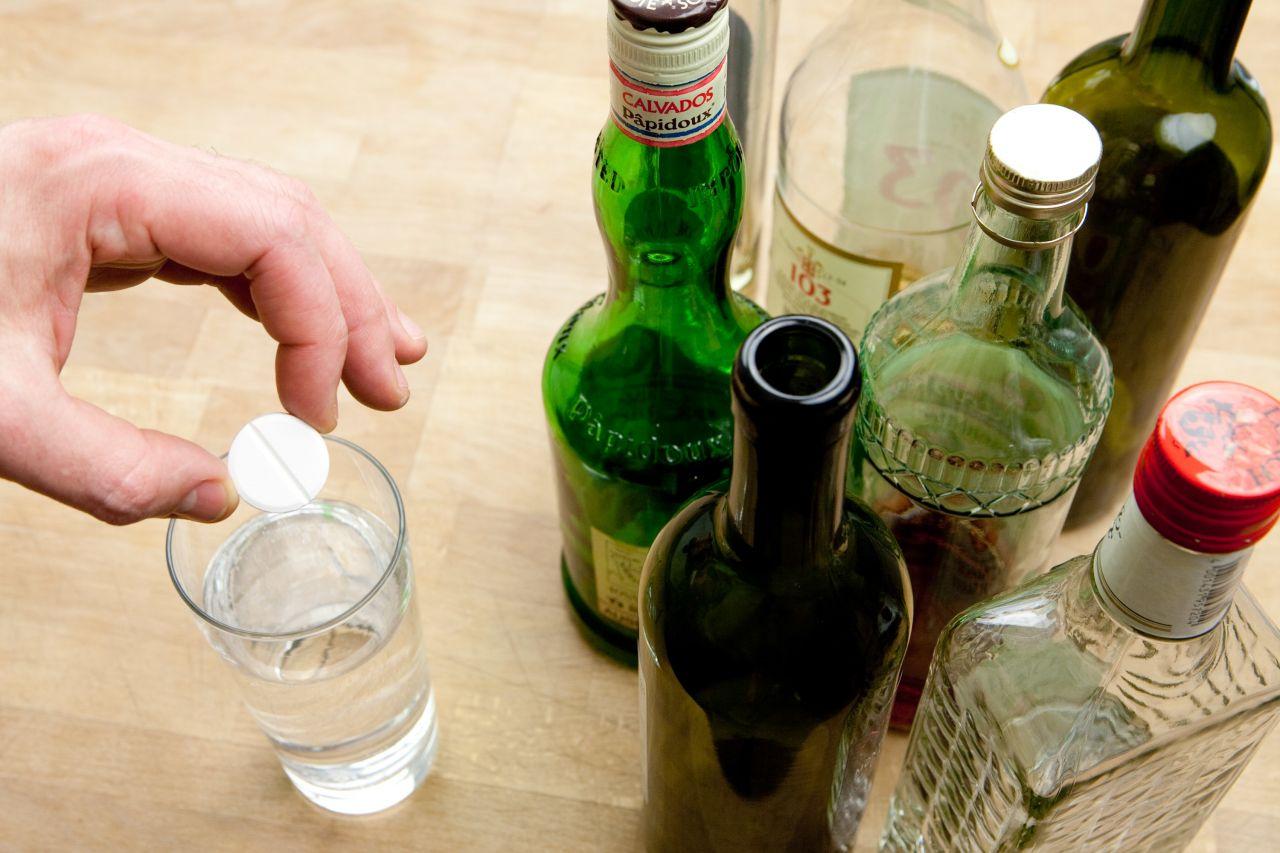 Wasser mit Magnesium gilt als Kater-Killer.