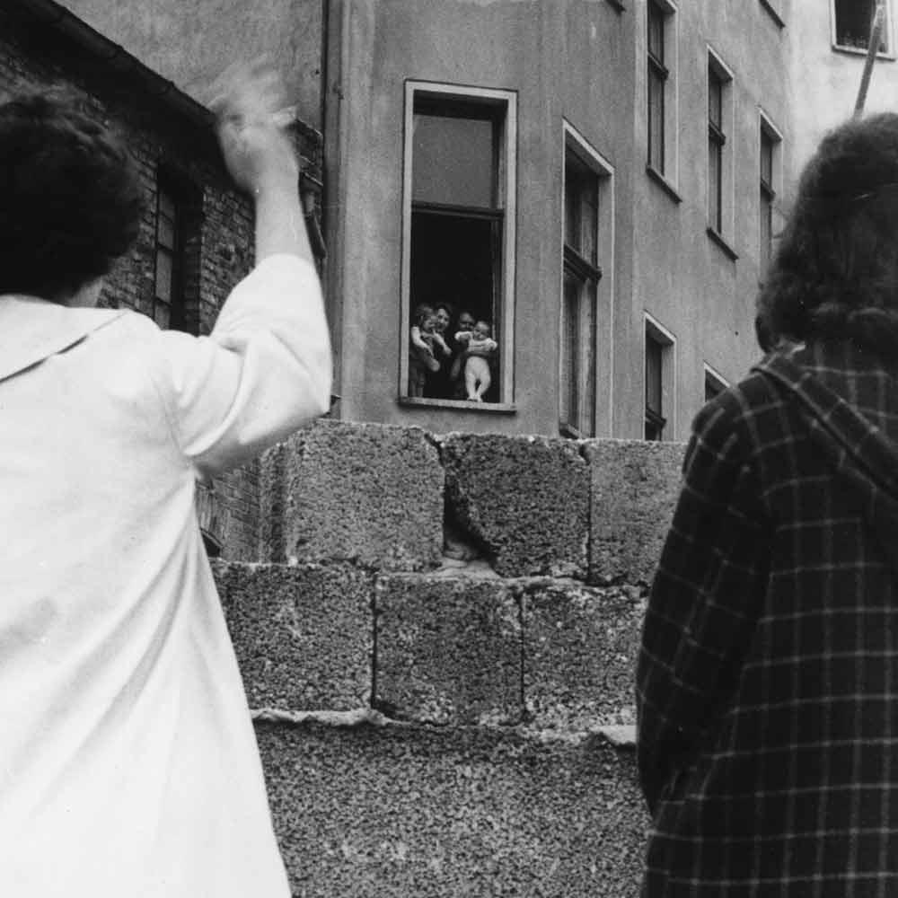 Die Mauer trennte Familien und Freunde voneinander.