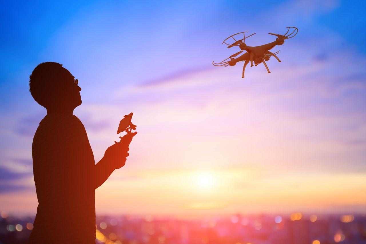 Von Unfall-Helfer bis Kriegsgerät: Wie Drohnen die Lüfte erobern