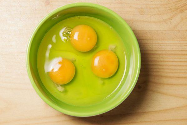 Hahnentritt im Ei