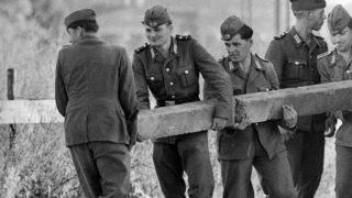 Am 13. August 1961 begann der Bau der Berliner Mauer. Es ging schnell. Kurz nach 1.30 Uhr konnte niemand mehr unkontrolliert die Grenze überqueren.