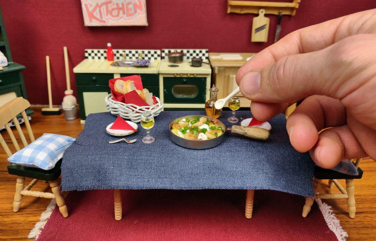 Tiny Kitchen: Kochen mit Teelicht in der Miniatur Küche