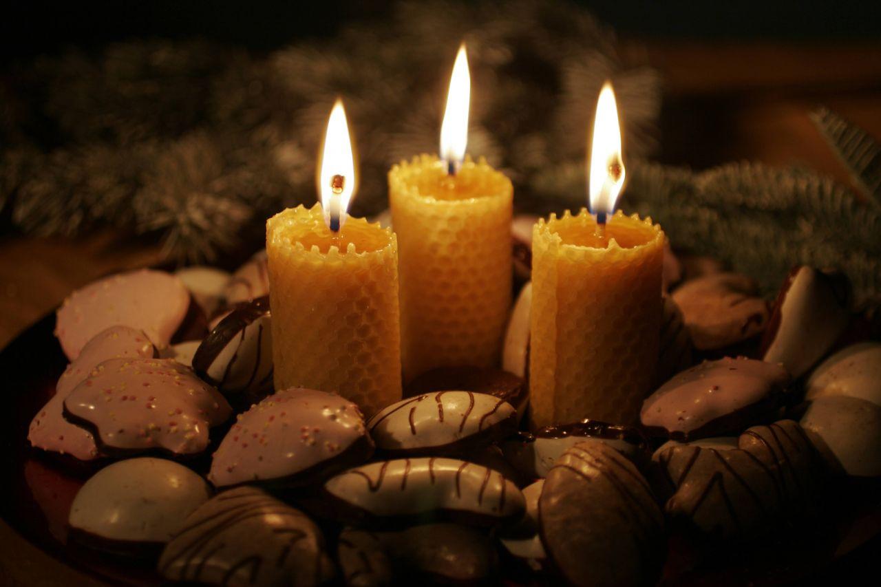 Bienenwachs-Kerzen zu Weihnachten