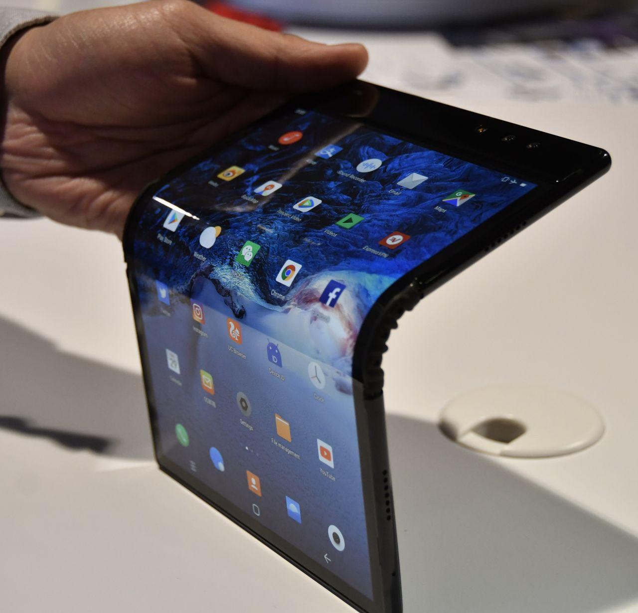 Das Royole FlexPai war das erste Handy mit faltbarem Display. Es kam schon 2018 auf den Markt.