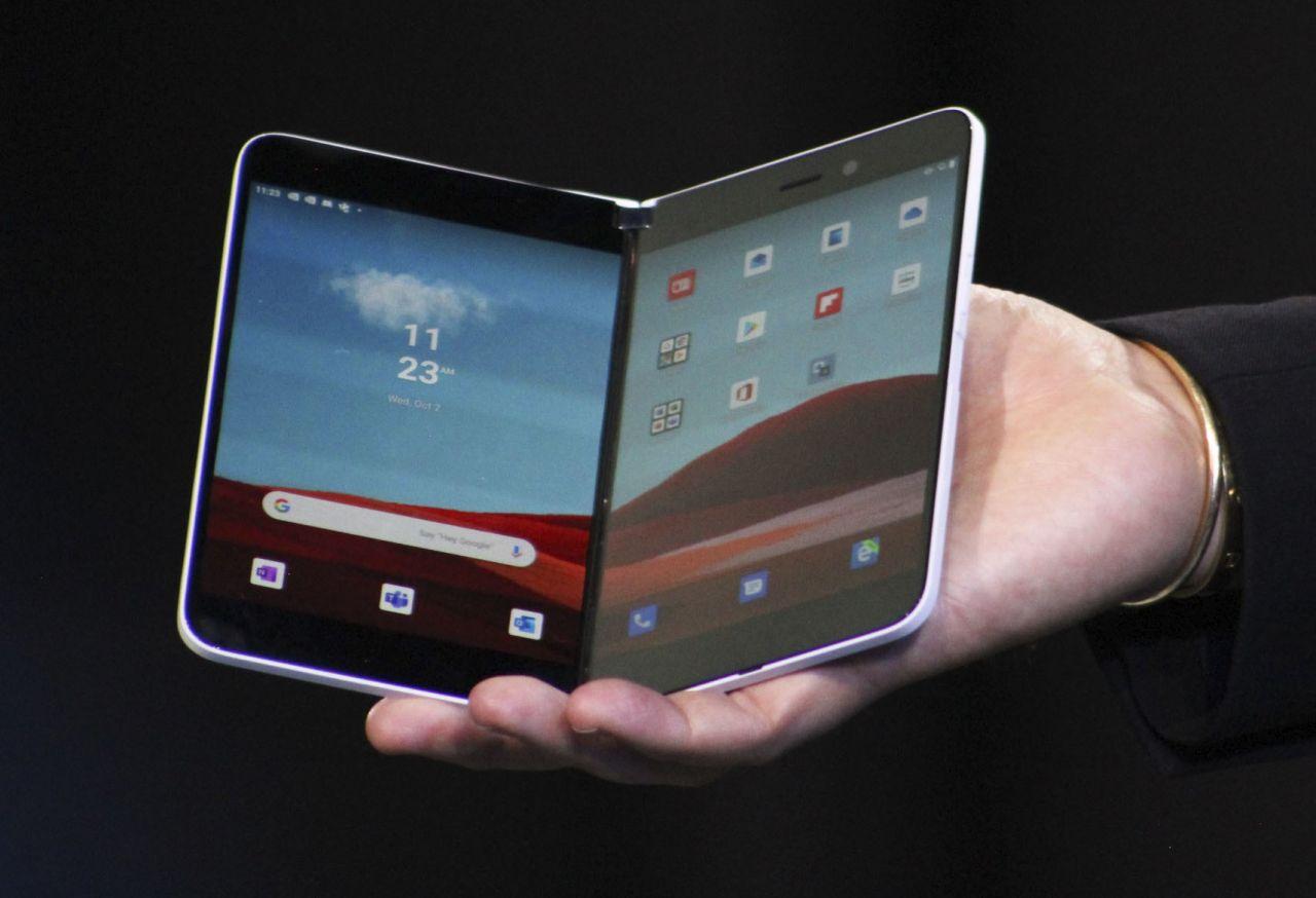 Das Windows Surface Duo ist das faltbare Windows-Handy.