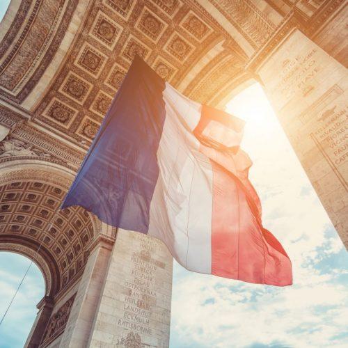 Französische Flagge im Sonnenschein