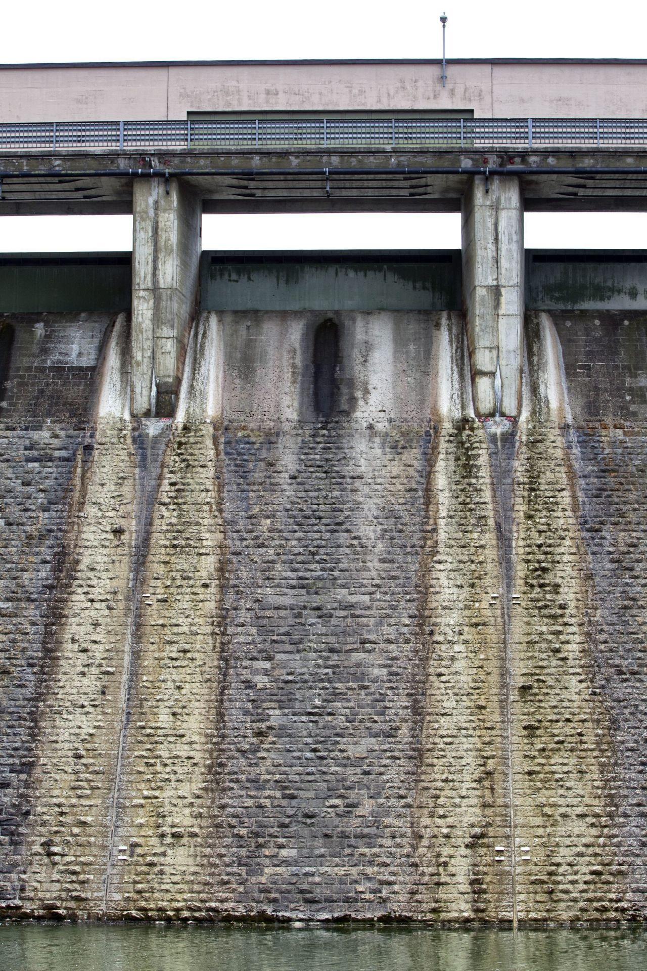 Die Staumauer am Sihlsee dient als wichtiger Puffer im Hochwasserschutz von Zürich. 2005 entging die größte Stadt der Schweiz nur knapp einer Flutkatastrophe.